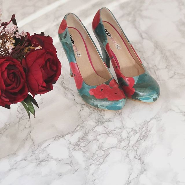 DOGO High-Heels - Roses