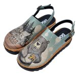 Bunte Sandalen mit schönen Motiven und kreativen Designs...